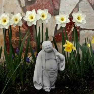 Stojący Radosny Budda