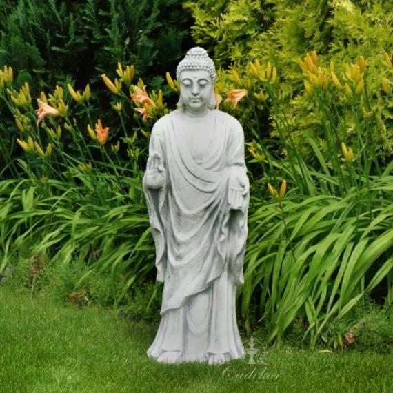 Stojący Budda w szatach