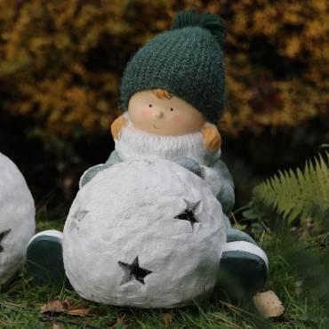 Dziewczyna z kulką śniegu 33 cm