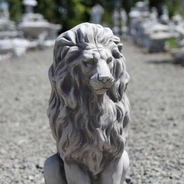 Dostojny lew