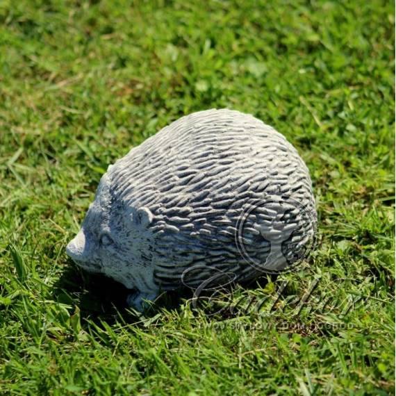Jeżyk - figurka z betonu