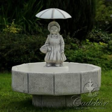 Fontanna niska Dziewczynka z parasolem
